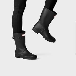 HUNTER black short rain boot